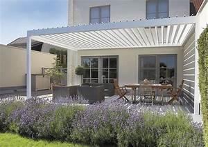 Die besten 25 sonnenschutz terrasse ideen auf pinterest for Markise balkon mit 1 fc köln tapete