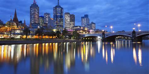 melbourne    attractive investment city  oz