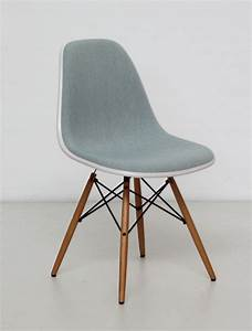 Eames Plastic Side Chair : vitra eames plastic side chair dsw cream shell ice blue fabric stuhl stuff pinterest ~ Bigdaddyawards.com Haus und Dekorationen