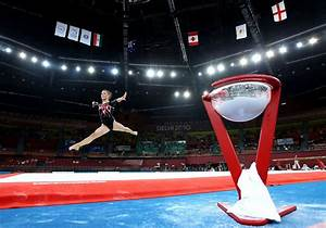 Imogen cairns photos photos 19th commonwealth games for Indian gymnastics floor music