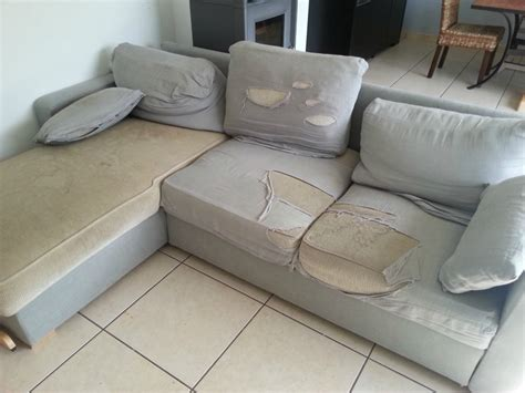 comment nettoyer un canapé en tissu non déhoussable l 39 histoire de notre canapé arthur couture et créations