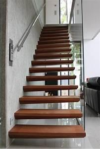 Garde Corp Escalier : escalier autoporteur ~ Dallasstarsshop.com Idées de Décoration