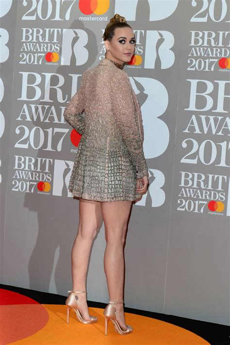 Katy Perry Brit Awards Performance: Falling Backup Dancer ...