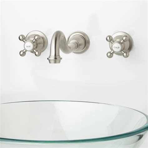 Bathroom Faucets Mounted On Wall