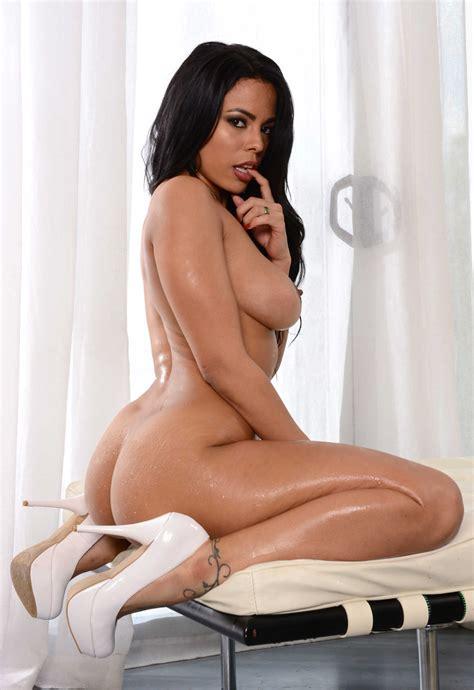 Latina Luna Star Shows Her Hot Naked Ass Big Ass Hd