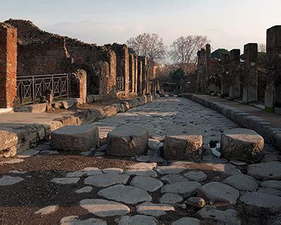 travel  kids pompeii