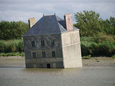 l estuaire c 244 t 233 arts contemporains au fil de l eau abracadablog