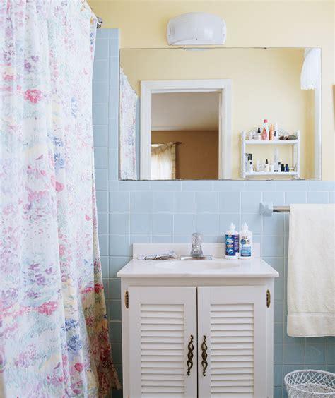 tile walls ceiling deep clean  bathroom   steps
