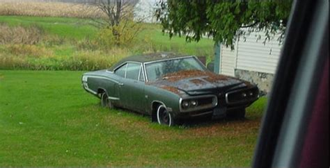 Carsinbarns.com Documenting Forgotten Cars In Photos