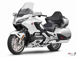 Goldwing 1800 2018 : 2018 honda gold wing tour dct standard starting at 33760 0 team honda in milton ~ Medecine-chirurgie-esthetiques.com Avis de Voitures