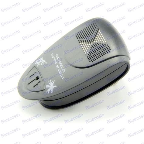 Black Ultrasonic Electronic Pest Roach Bug Mouse Insect