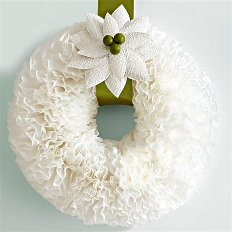 How to make a shabby chic coffee filter wreath. Decorgreat: Coffee Filter Wreath