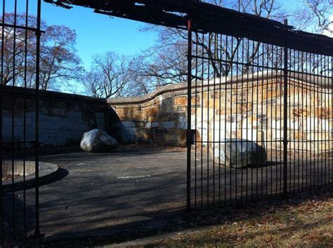 zoo franklin park massachusetts bear abandoned boston cages places pens usa den most insane cage zoos dens state wildlife forgotten
