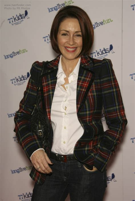 50 year old Patricia Heaton's chin length bob haircut