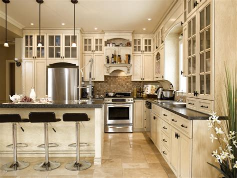 ilot cuisine moderne chalet de montagne cuisine bois chêne stratifié