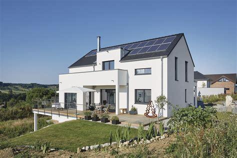 Moderne Häuser Frankreich by Kleine Terrasse F 252 R Abends Terrasse Balkon Haus