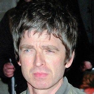 Noel gallagher was born on may 29, 1967, in longsight, england. Noel Gallagher - Bio, Facts, Family | Famous Birthdays