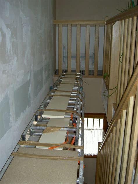 poser un escabeau dans un escalier de conception de