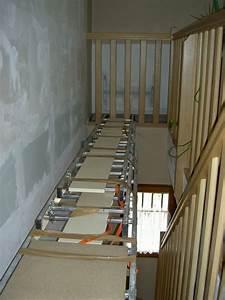 comment tapisser ou peindre une montee d39 escaliers home With peindre une cage d escalier 15 et un couloir original de plus et un