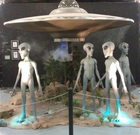 Aliens landing show with special effects. - Picture of ...