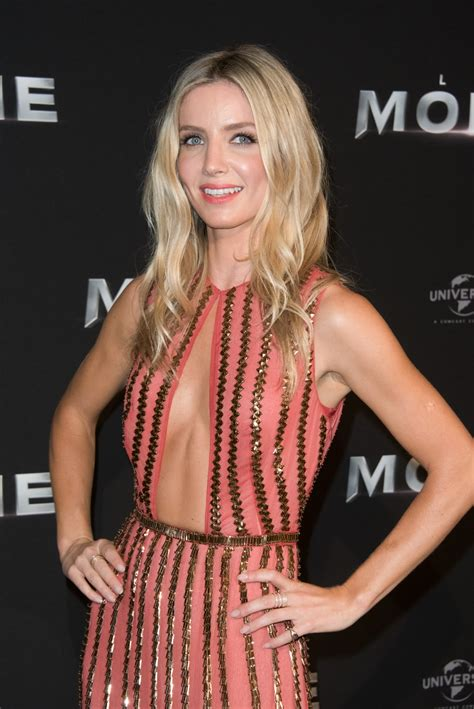 Annabelle Wallis sexy – The Fappening Leaked Photos 2015-2020
