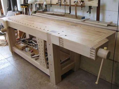 maple workbench  shoulder vise woodworking bench