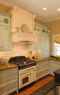 antique kitchens ideas vintage kitchen cabinets decor ideas and photos
