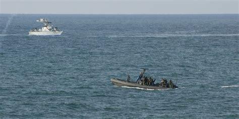 römer i size un fran 231 ais sauv 233 par la marine isra 233 lienne raconte sa d 233 rive en mer
