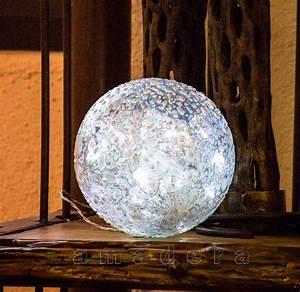 Boule Decorative Extérieure : boules d coration lumineuse pour un centre de table ou dans un jardin ~ Teatrodelosmanantiales.com Idées de Décoration