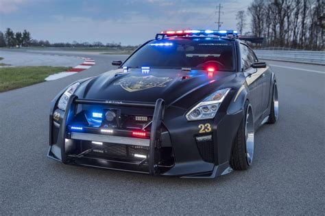 fastest police car police cars the world 39 s best and worst auto express
