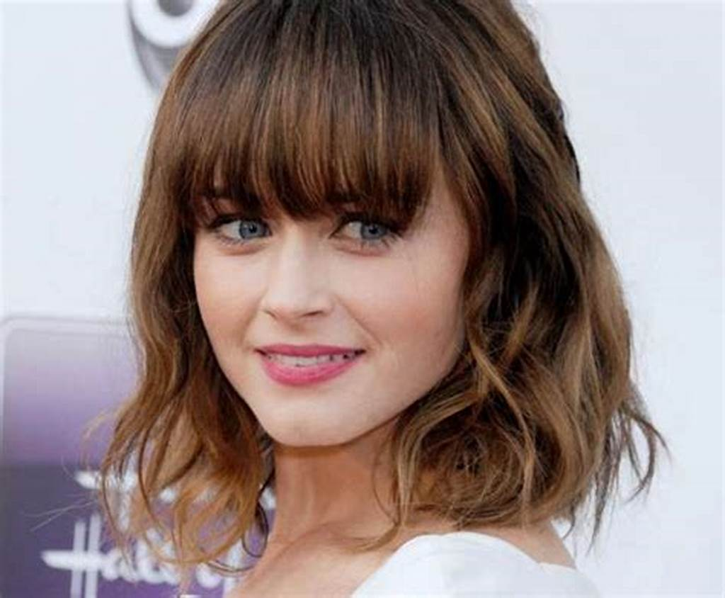 #Womens #Shoulder #Length #Hairstyles #With #Bangs