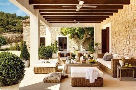 tettoie in legno chiuse le tettoie in legno per un ambiente esterno vivibile