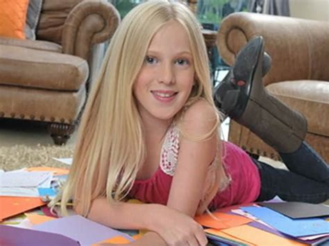 Young Girl Starts Letter Writing Campaign For Troops