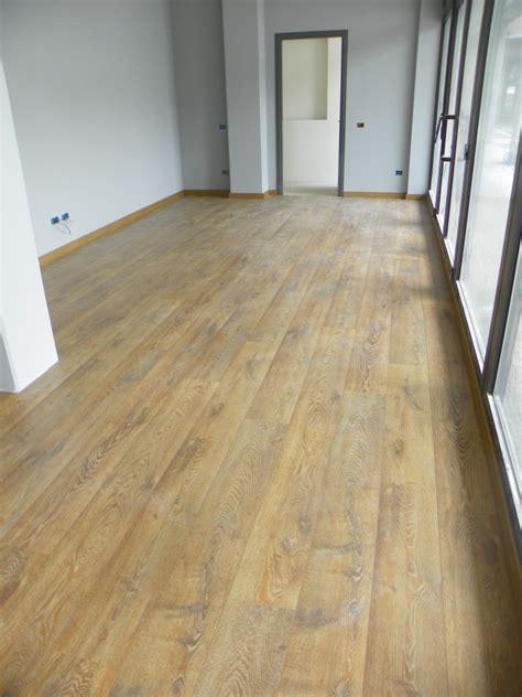 laminato per pavimenti pavimenti in legno laminato zanfi pavimenti