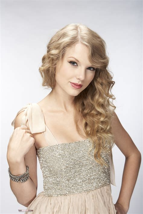 taylor swift photoshoot  bliss  anichu