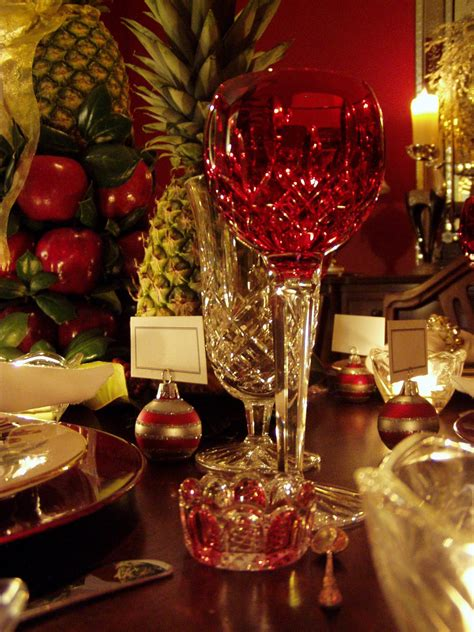 colonial williamsburg christmas table setting  apple