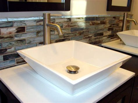 Eye-catching Bathroom Backsplash Ideas