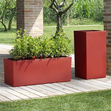 vasi colorati da esterno foto vasi particolari per rinnovare il giardino