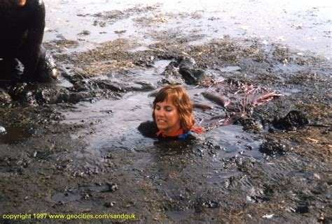 The Gallery For --> Sinking In Quicksand Gif