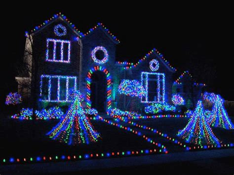 whole house christmas lights 17 homes that take holiday decorating to a whole new level
