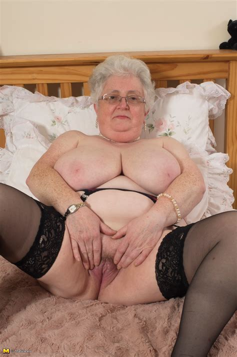 archive of old women curvy grannies bbw masturbate and show the bodies