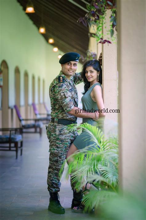 officer loves youwalk   queen army couple