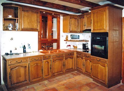 un ensemble de cuisine traditionnel sur mesure bois le bouvet