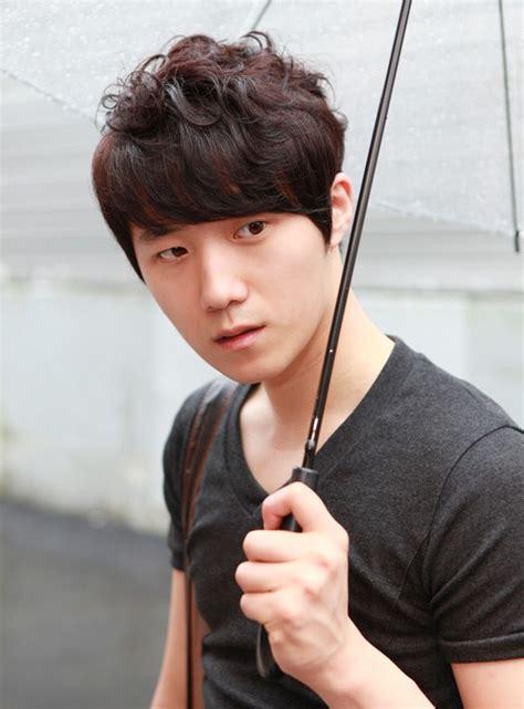 popular asian guys hairstyles   japanese