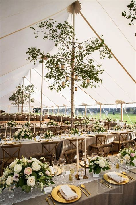 Vintage Wedding Themes and why they re are popular now
