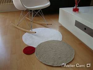 Petit tapis rond for Tapis design avec canapé angle petite taille