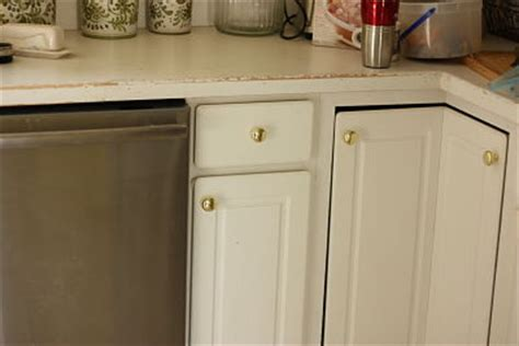 where to place knobs on kitchen cabinets meg made creations simple do it yourself renovations that 2189