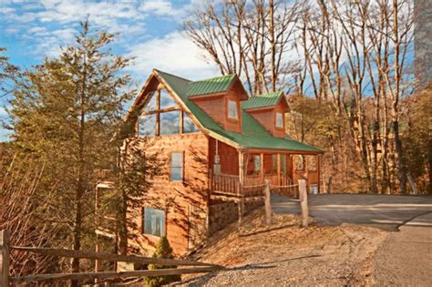 tn cabin rentals gatlinburg 2br cabin rental