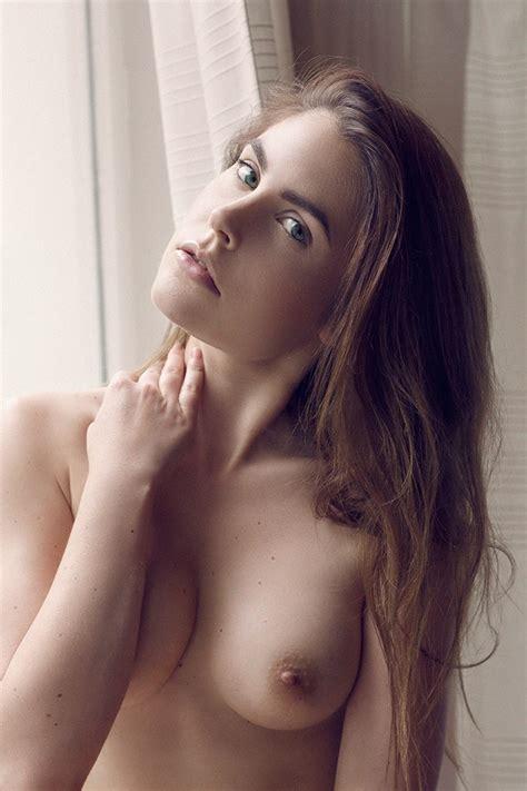 Nude laura berlin Laura Berlin