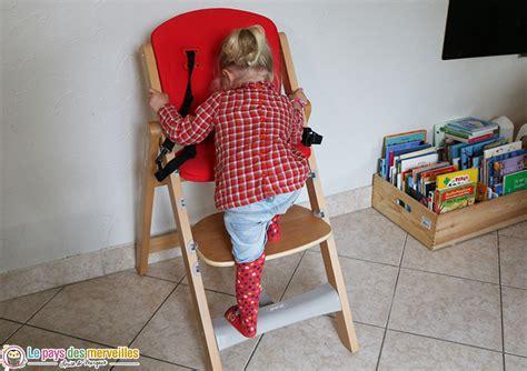 chaise qui se balance chaise haute en bois évolutive et pliable twig de jané